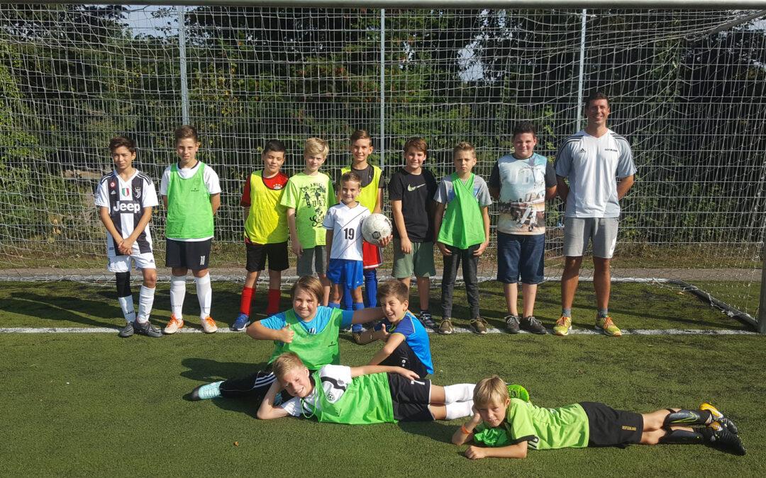Kinderferienfußball am Schiller: Erneut eine runde Sache