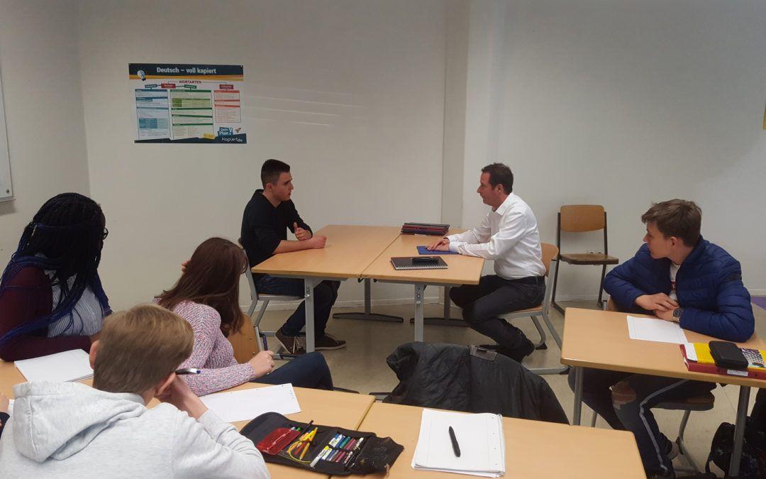 Tipps vom Profi – Bewerbungstraining der 9. Klassen bei Karriereberater Oliver Stiess