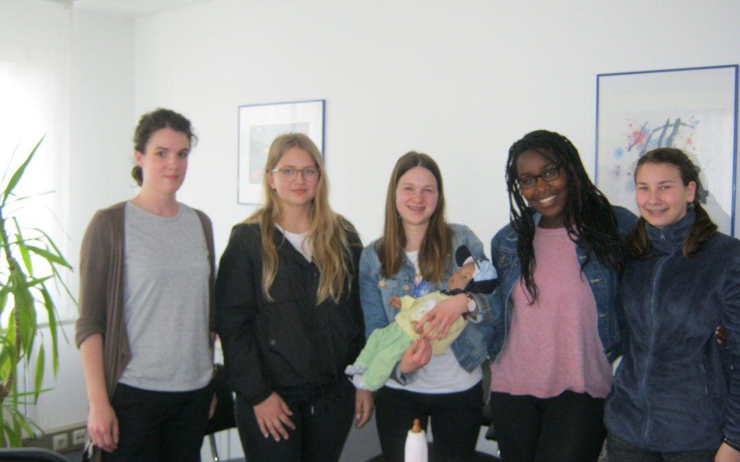 Besuch der Sozial-AG in  der diakonischen Beratungsstelle in Pforzheim