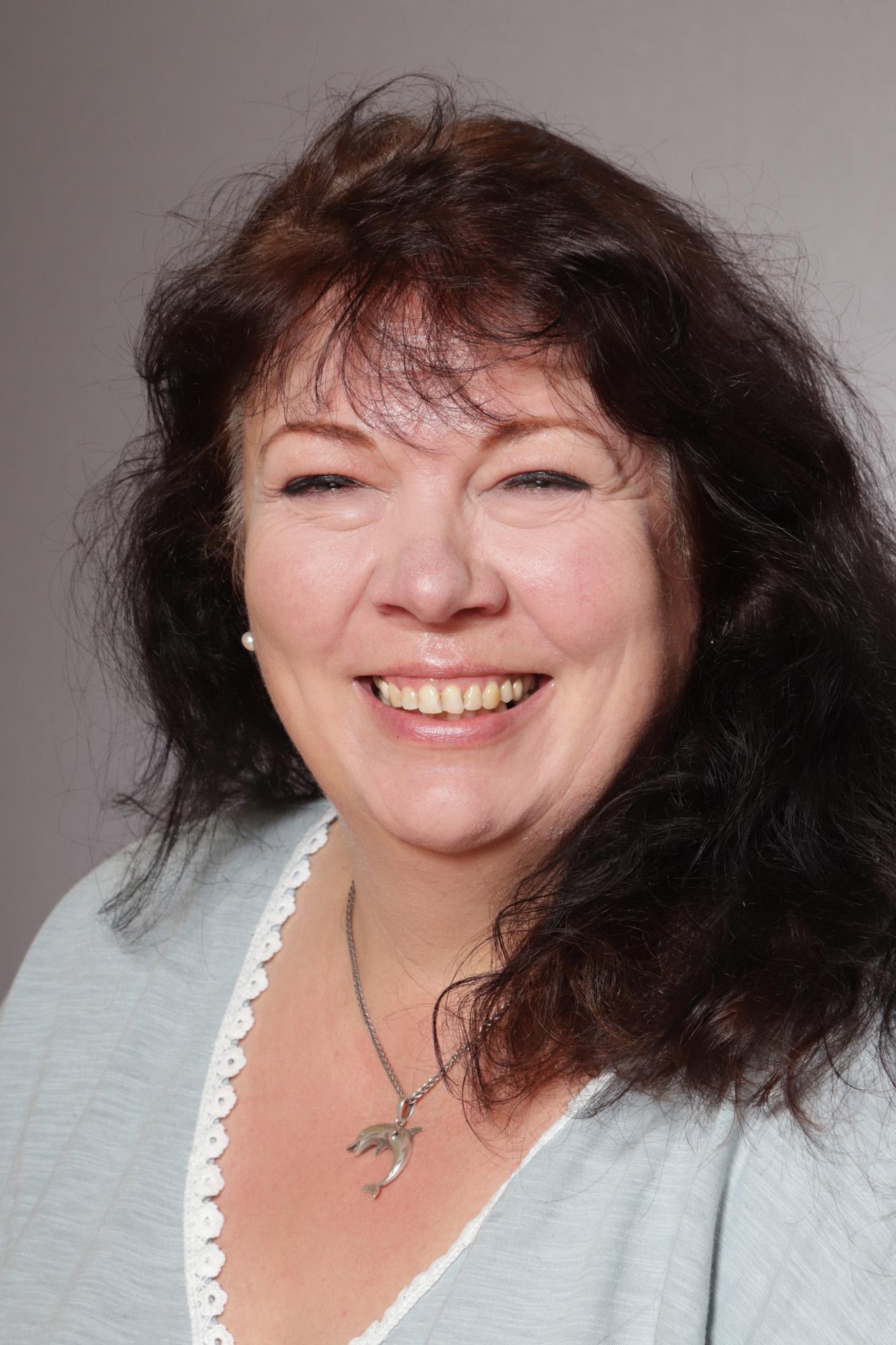 Elke Schuster