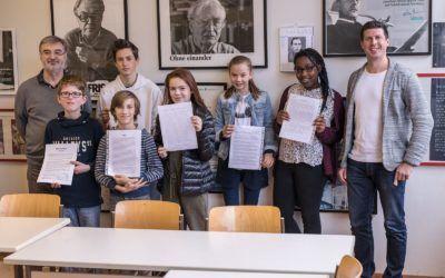 Nachwuchsautorinnen und -autoren der beiden 7. Klassen nehmen am Schreibwettbewerb der Pforzheimer Zeitung teil